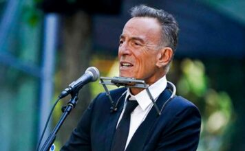 Bruce Springsteen delivers emotional performance during 9/11 memorial